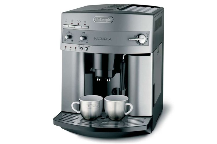 DeLonghi ESAM3300 Magnifica Super-Automatic Espresso Machine